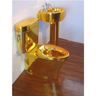 Beyaz Altın Sarısı Banyo Dekoru İle Lüksü Yaşayın