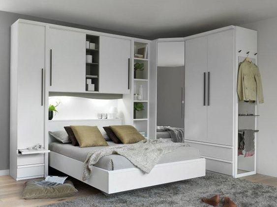 ferah yatak odası dekorasyonu dolapları