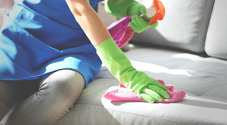 beyaz deri koltuk temizleme