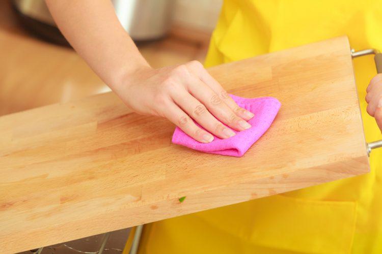 Mutfakta Küflenmiş Tahta Nasıl Temizlenir,